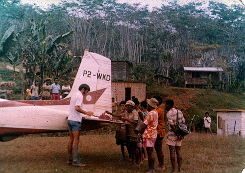 With P2-WKD at Mindik airstrip, Papua New Guinea, 1977
